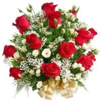 bunch of red roses medium 810386813b5e7e25994b1ad1654811c2